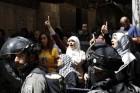 الاحتلال يهدد 4 سيدات...